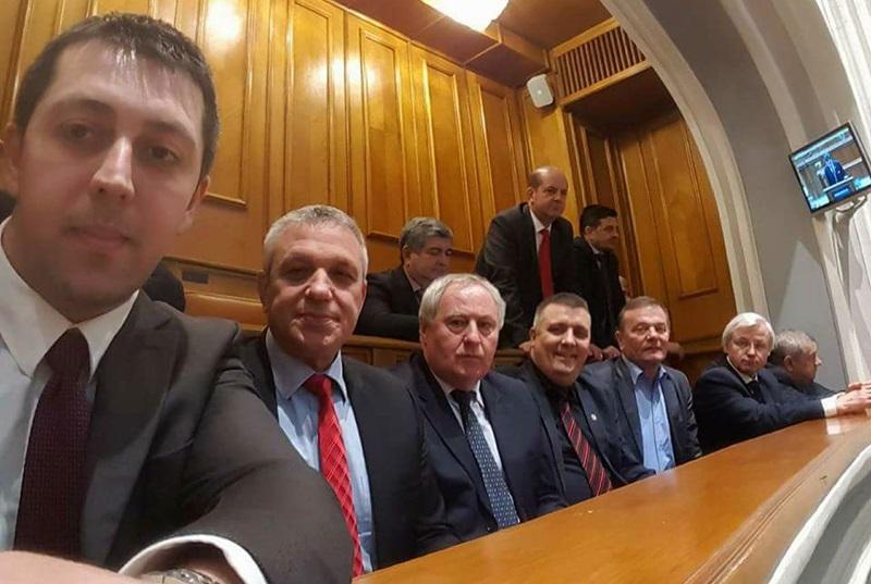 parlament macaleti, primari
