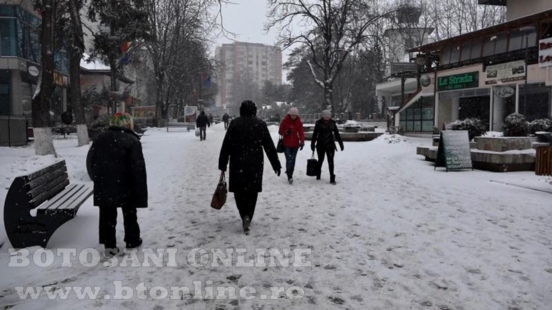 pietonalul unirii iarna, zapada