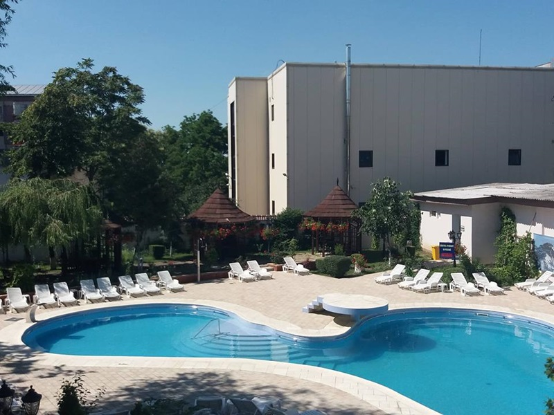 piscina hotel maria3