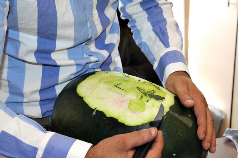 constantin pocai, sculptor in fructe si legume (3)