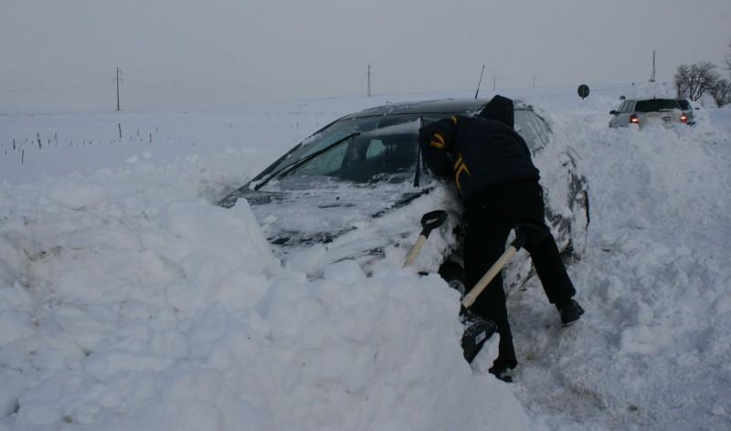 iarna masina inzapezita