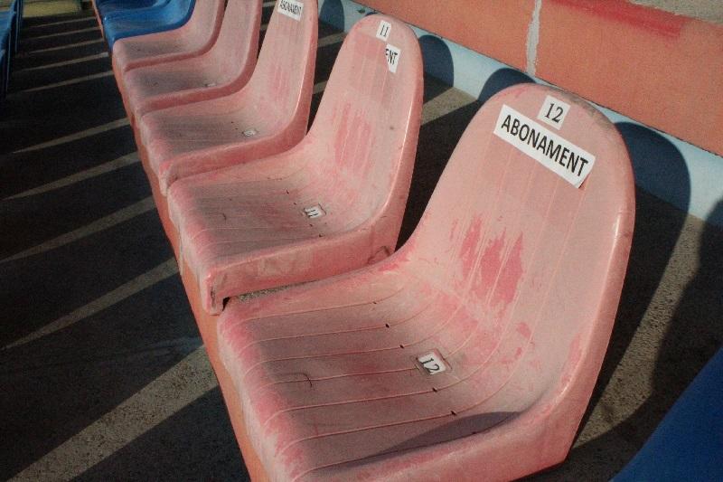 scaune stadion, abonati (2)