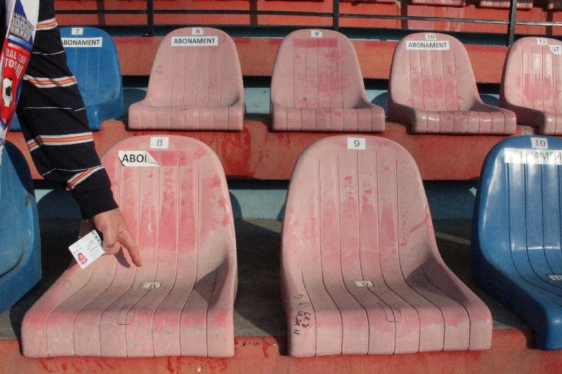 scaune stadion, abonati (6)